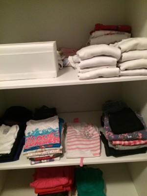 תמונה של ארון בגדים אחרי סידור כדוגמא לגבי נושא סידור דירה